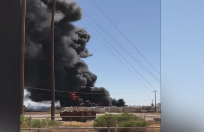 Commercial fire in Casa Grande has 'extremely dangerous' smoke